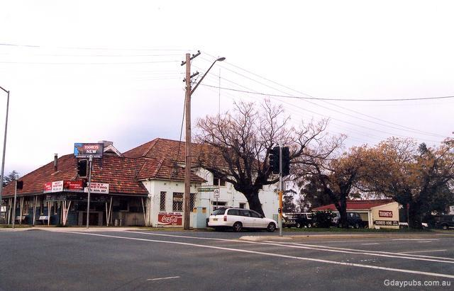 Farmers  Home Hotel. Farmers  Home Hotel in Wagga Wagga   New South Wales   Gday Pubs