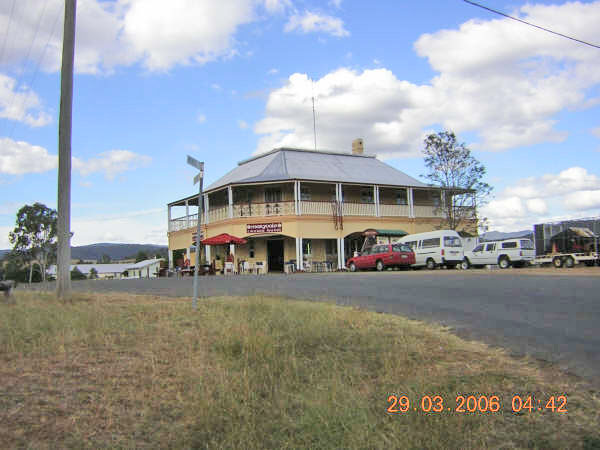 Maryvale Australia  city pictures gallery : Crown HotelPhoto 29/03/2006Photos and information submitted by Brian ...