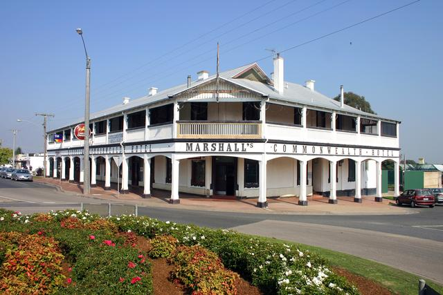 Orbost Australia  City new picture : Marshalls Commonwealth HotelPhoto: 20/04/2007.Photos and information ...