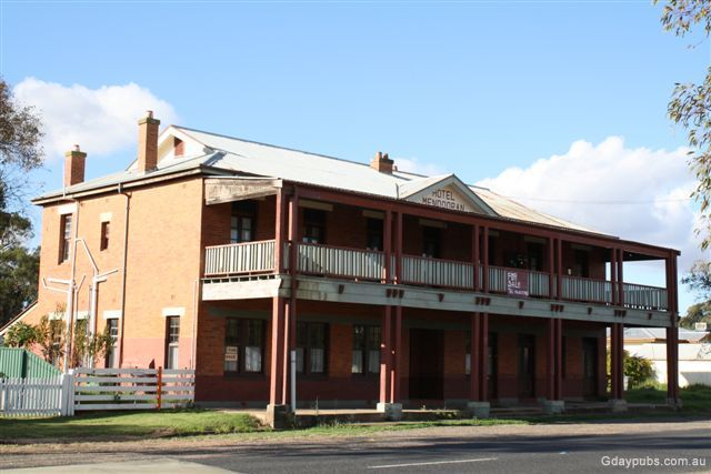 Hotels in mendooran for Former hotel for sale