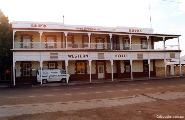 ians 39 western hotel in port augusta. Black Bedroom Furniture Sets. Home Design Ideas