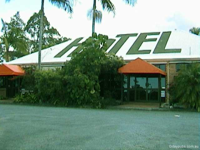 Advancetown Australia  City pictures : Photo's 9/9/2001Gday Pubs Accommodation 6 poolside Motel Style double ...