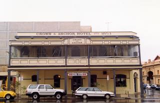 Crown & Anchor Hotel