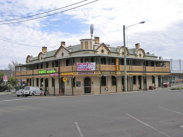 Brick For Sale >> Hotels in Stanthorpe