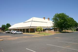 Macquarie Inn Hotel Motel
