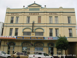 Royal George Hotel Motel