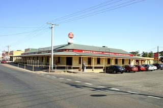 Southern Cross Hotel Motel