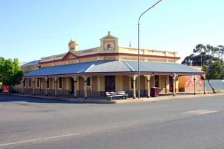 Former Silver King Hotel