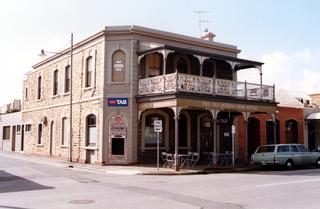 Old Queens Arms Hotel