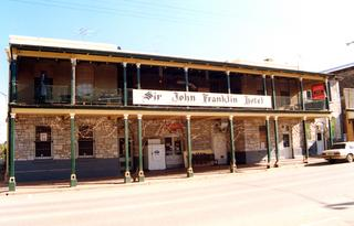 Sir John Franklin Hotel